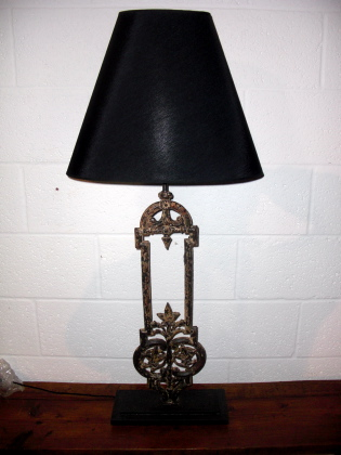 Chipped balustrade Lamp