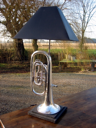Picture of Boosey horn lamp