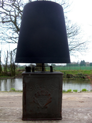 Picture of Shell Oil Can Lamp