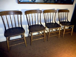 Picture of 4 country oay chairs