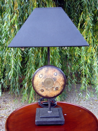 Picture of Discus table lamp
