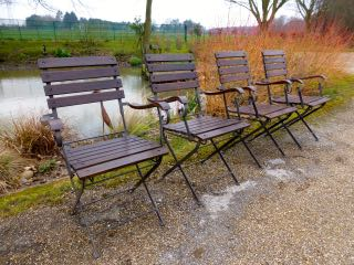 Picture of 4 folding garden chairs