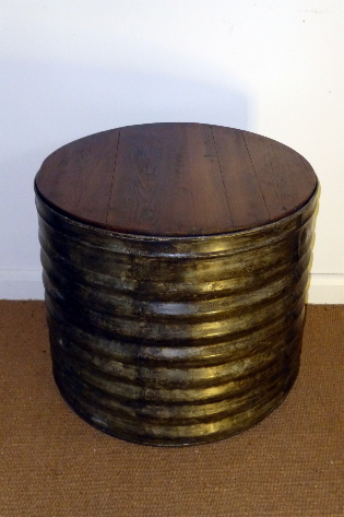 Picture of Galvernised drum with wooden top