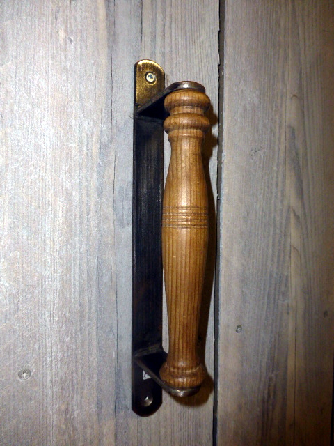 Picture of Wooden Spindle Handle