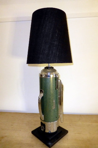 Hover table lamp