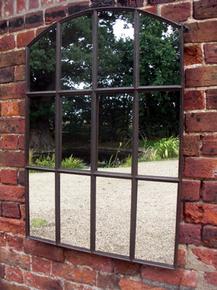 Slow arch window