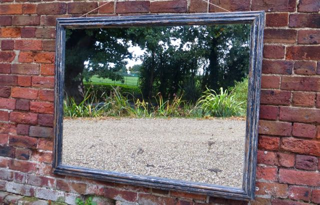 Picture of English mirror