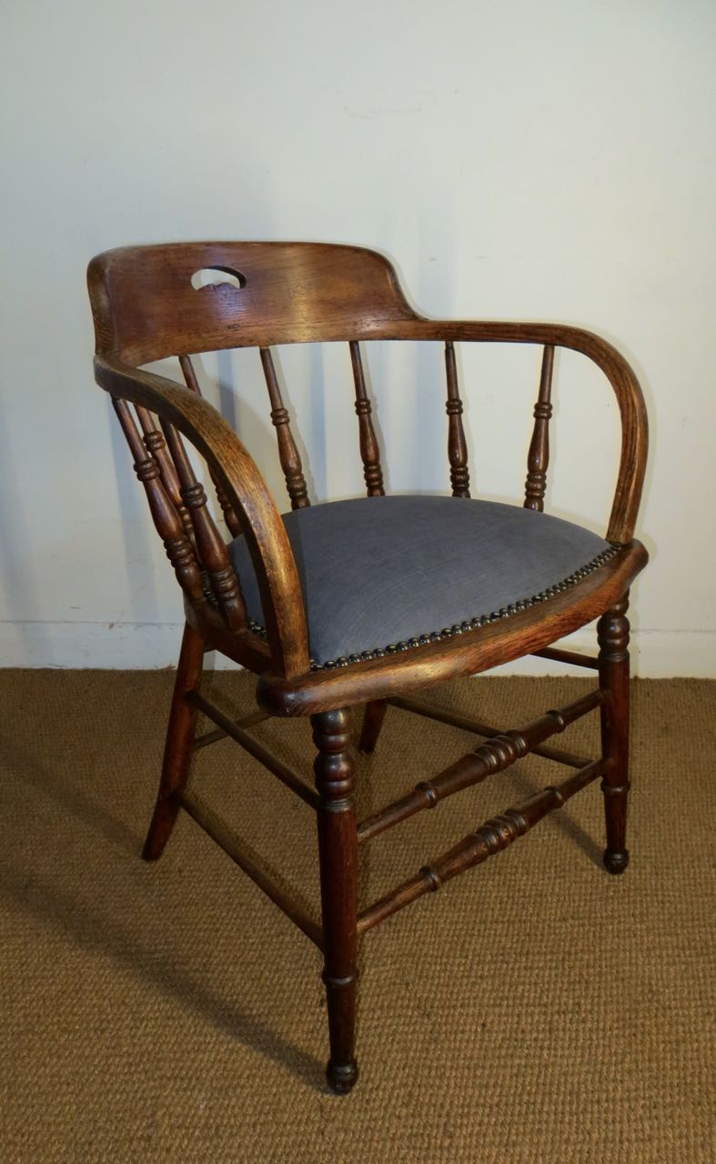 Picture of American Captains chair