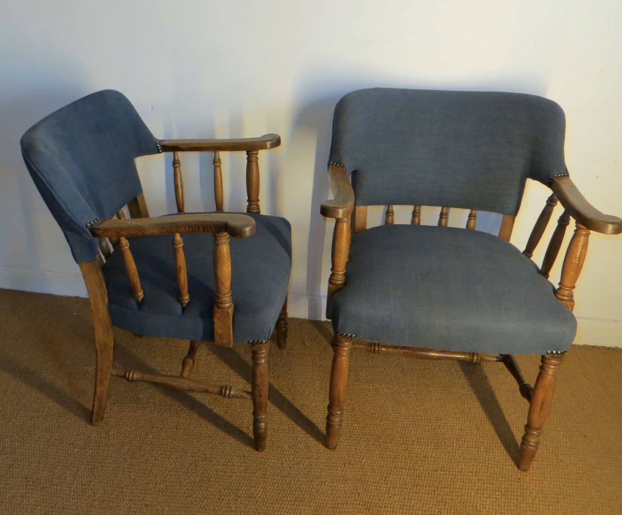 Picture of Pair of 1930s Oak chairs