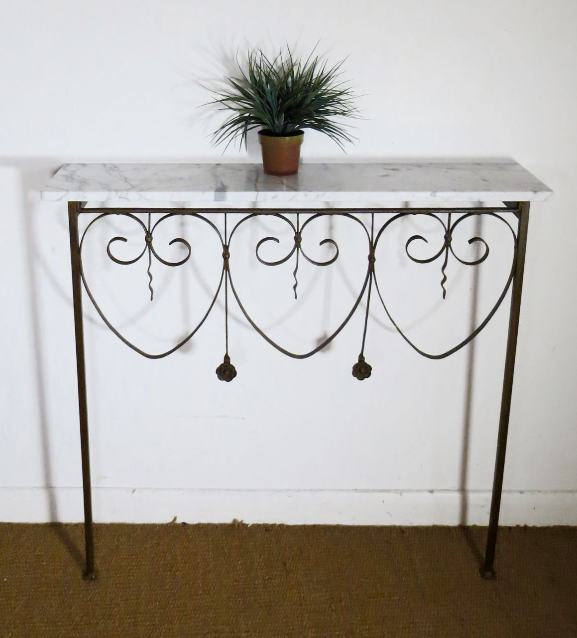 Old French railings console
