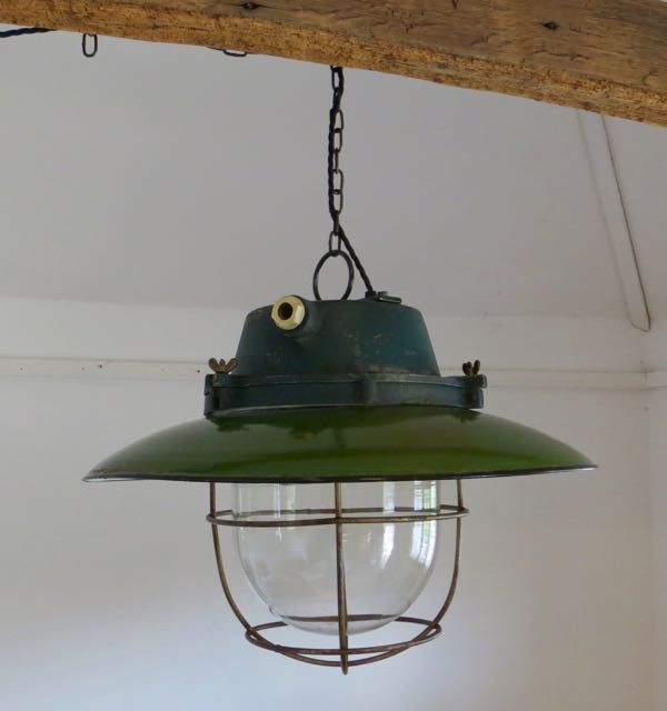 Industrial pendent light