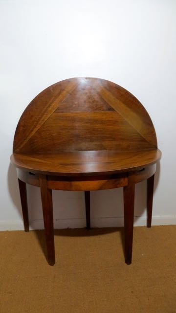 Walnut & Mahogany round deme lune table