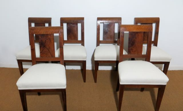 Picture of 6 dinning chairs & Demi lune table