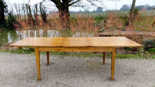 Picture of Oak extending table