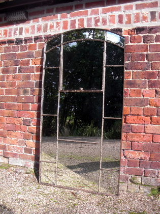 Picture of Stagered English mirror window