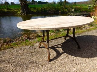 Picture of Oval table