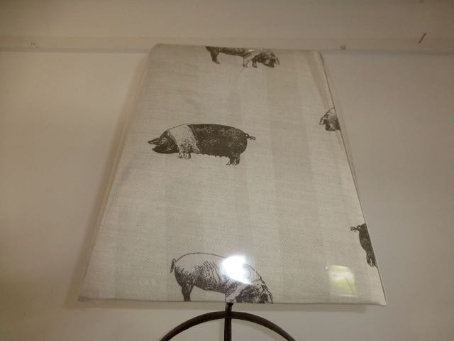 Picture of Pig lamp shade