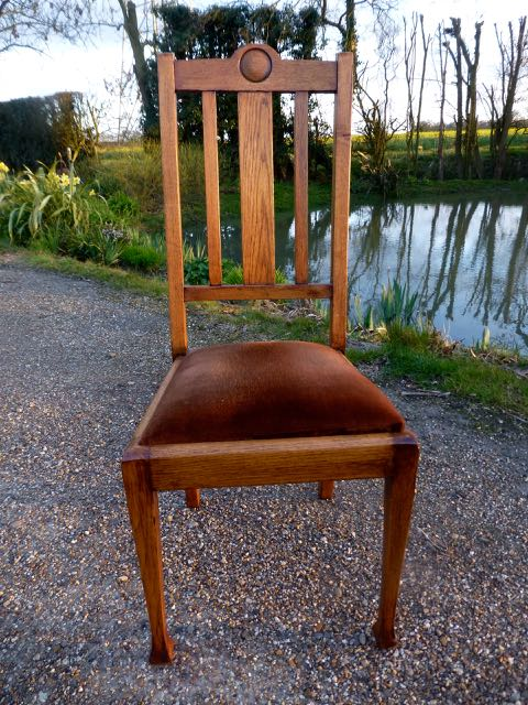 Picture of English oak dinning chair