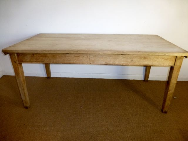 Picture of Victorian scrubbed top table