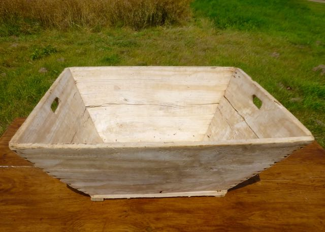 Picture of French grape pickers basket