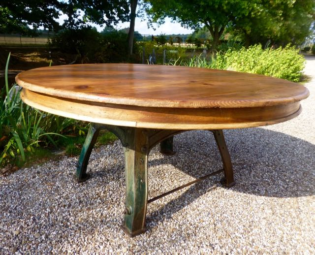 Round 160cm Bamfords milling base table