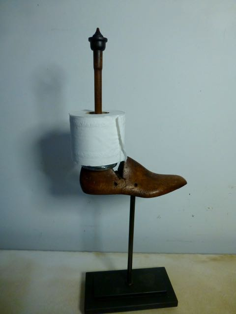 Picture of Shoe lath loo paper holder