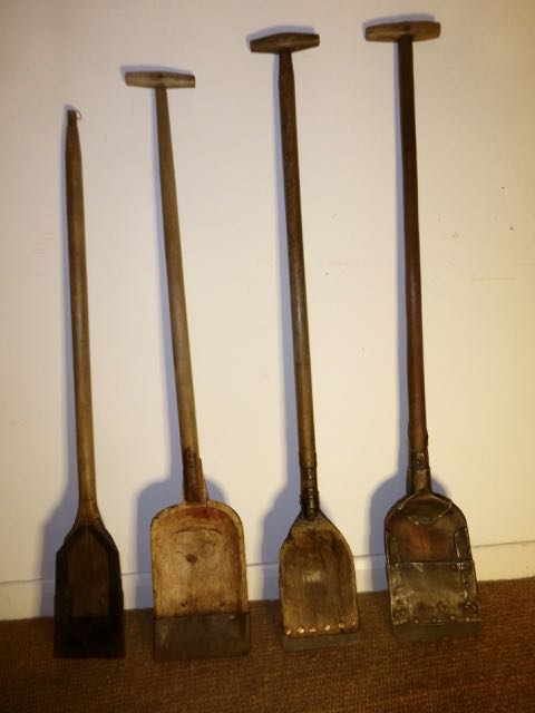 4 Wooden peat spades