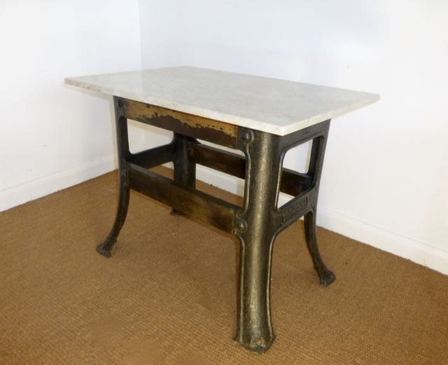 Picture of Industrial base lamp table