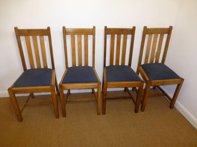 Picture of 4 oak chairs