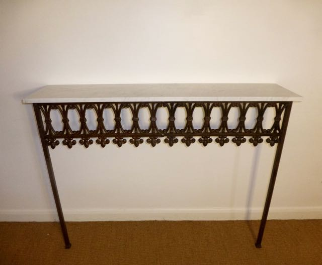 Picture of English path edging console