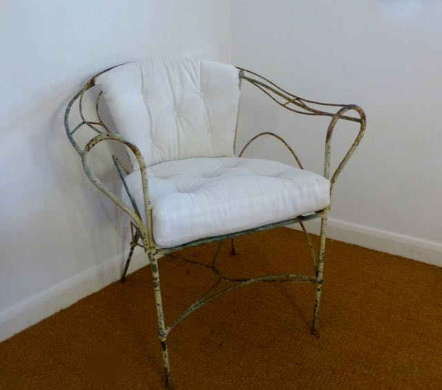 Picture of Metal tub chair