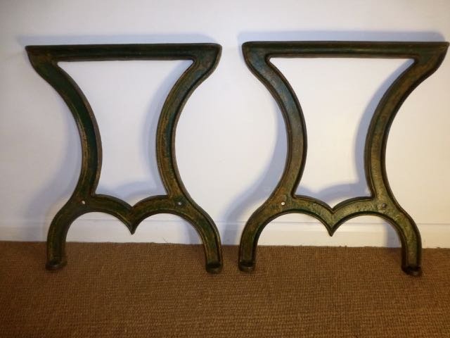 Picture of Pair of cast iron legs