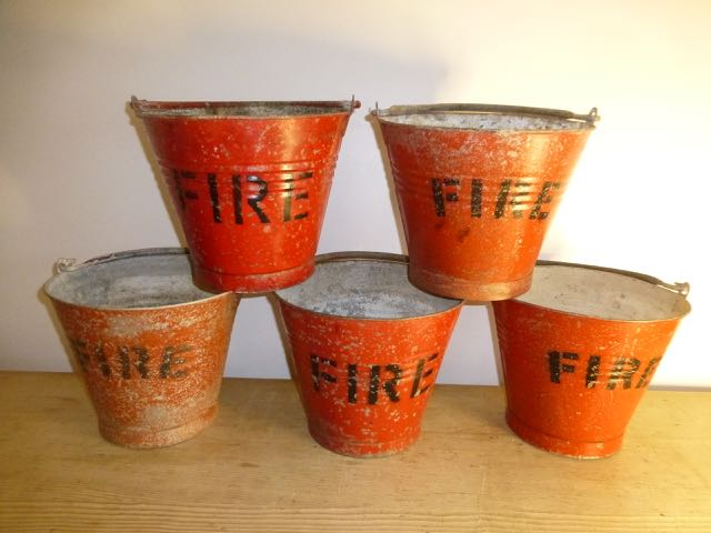 Picture of Set of 3 Fire buckets