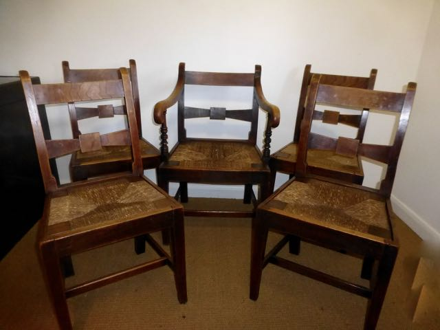 Set of 5 rush seated dinning chairs