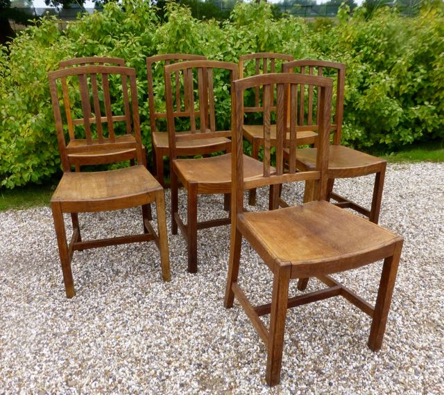 Picture of 7 oak dinning chairs