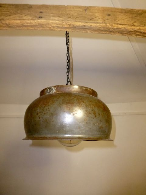 Picture of Cooking pot pendant