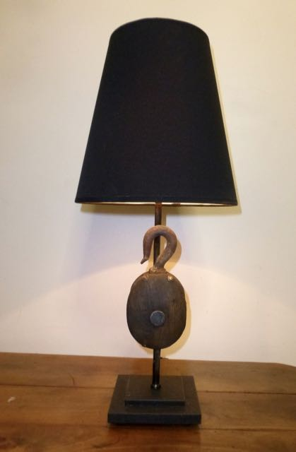 Picture of Wooden block table lamp.