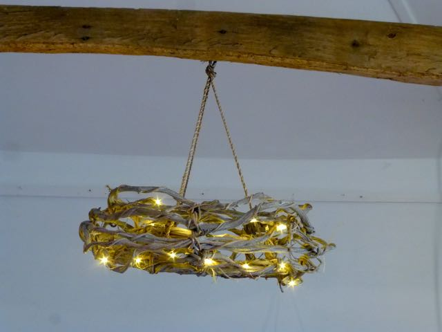 Picture of Grape vine chandelier.