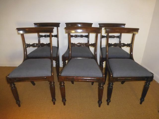 Set of 6 dinning chairs