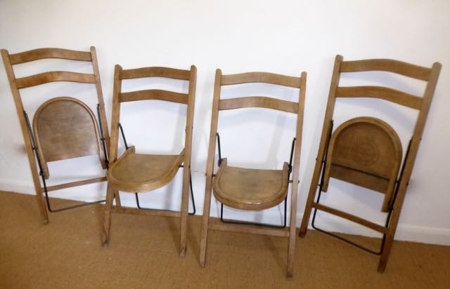 4 Stakmore chairs