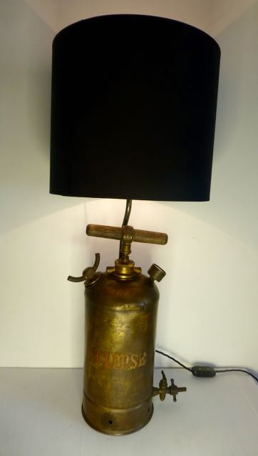 Eclips sprayer table lamp