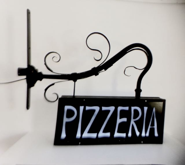 Picture of Pizzeria sign