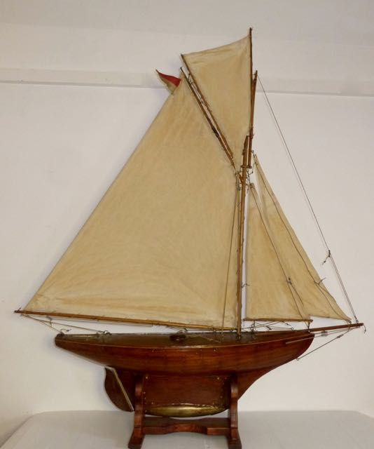 Picture of Edwardian pond yacht