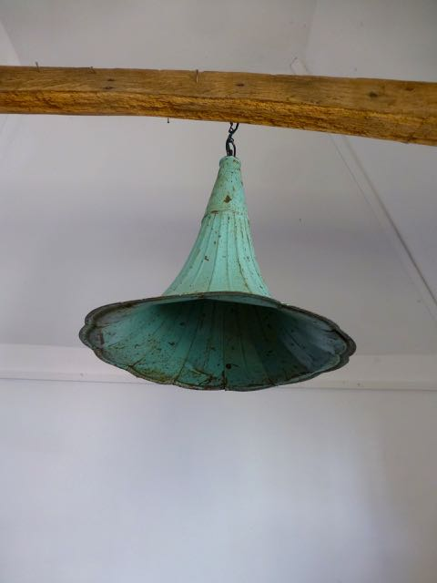 Picture of Gramophone horn pendant light