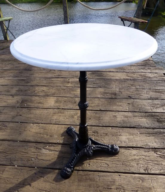 Picture of Cast iron table with Carrara top