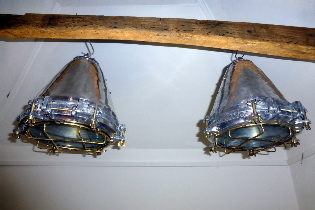 Picture of Ships Funnel cargo lamp