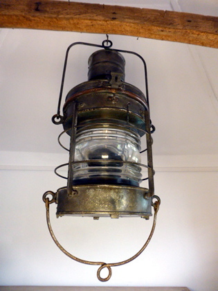 Picture of Ships mast head lamp