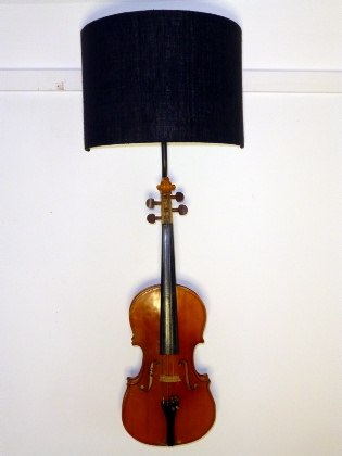 Picture of Violin wall sconce
