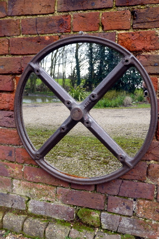 Picture of Fly Wheel Mirror