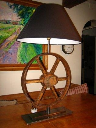 Rusty barrow wheel table lamp